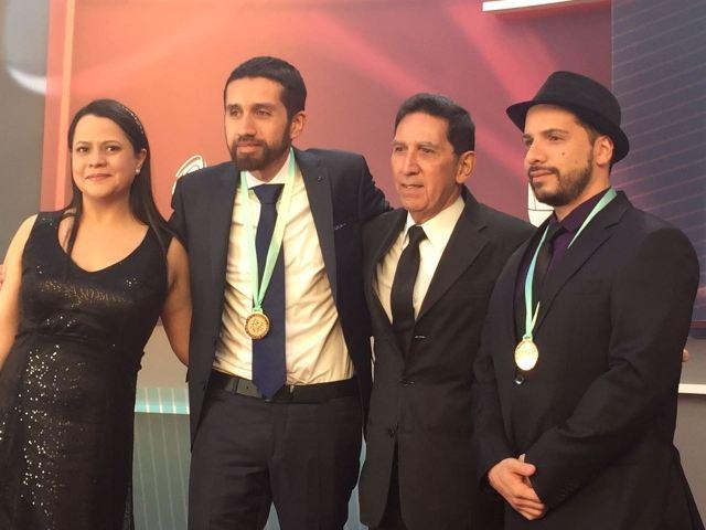 En los Latin Grammy con Carrera Quinta